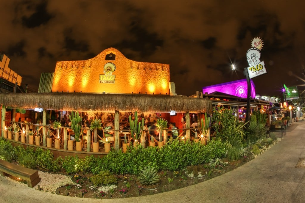 Bares e Restaurantes com ambiente externo - TACO EL PANCHO