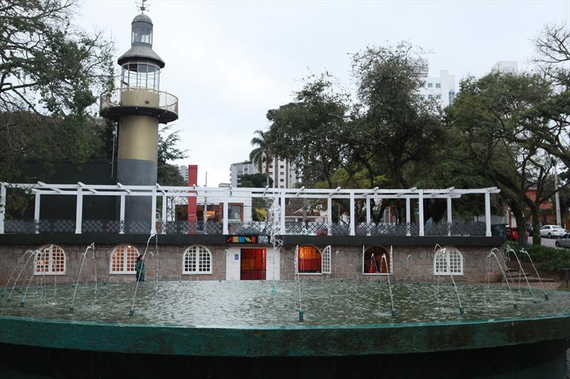 Bares e Restaurantes com ambiente externo em Curitiba - PRAÇA DA ESPANHA