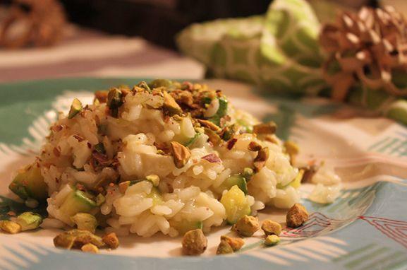risoto de camembert com abobrinha e pistache