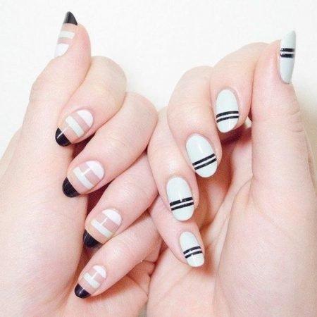 Preto e branco com espaço negativo nas unhas