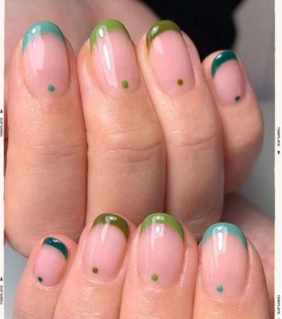 Francesinhas em verde com espaço negativo